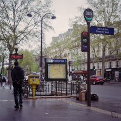 Franck Rondot Photographe   025   27052016  argentique  couleur  FujiNPS160  republique  rolleiflex 2.8F Paris  scann