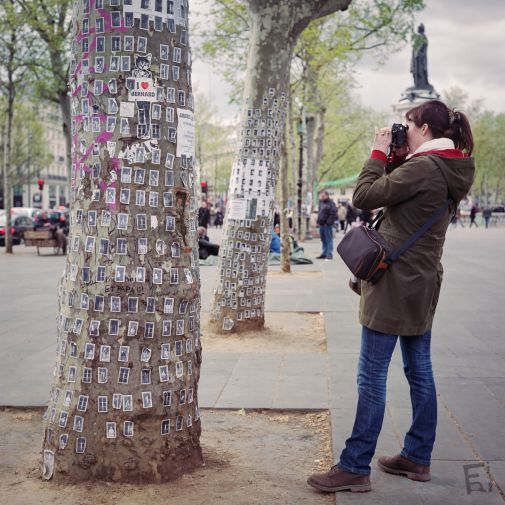 Franck Rondot Photographe   006   27052016  argentique  couleur  FujiNPS160  republique  rolleiflex 2.8F Paris  scann